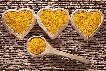 Turmeric in heart bowls